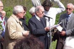 porto-un-fiore-a-m-sole-25-aprile-200430